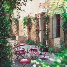 village saint rémy de provence
