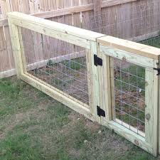 How To Make A Gate Out Of A Cattle Panel Google Search Dogfence Diy Dog Fence Backyard Fences Cattle Panels
