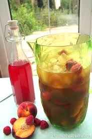 peach raspberry iced tea by giraffes