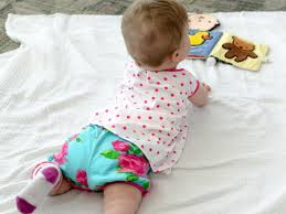 sew baby bloomers with free pattern
