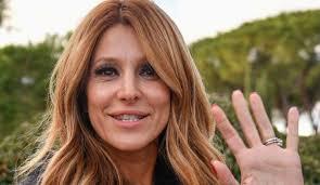 """Adriana Volpe e il bacio con Pago, il marito: """"È l'oca numero uno"""""""