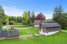 9 great hills farm rd bedford ny