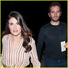 Idina Menzel Marries Aaron Lohr in 'Magical' Wedding at Home ...