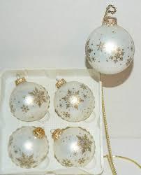 ornaments crown caps