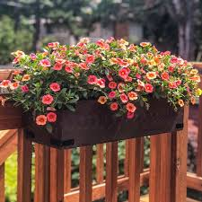 Diy Railing Planters For Your Deck Or Balcony The Handyman S Daughter