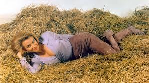 Honor Blackman Dead: 'Goldfinger,' 'Avengers' Actress Was 94 ...