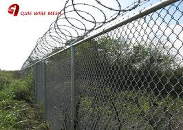 Hot Dipped Galvanized 6 Foot Chain Link Fence Cyclone Wire For Rural Fencing
