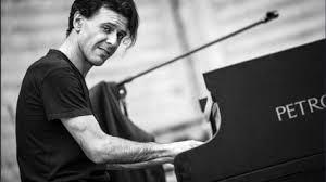 È morto il pianista Ezio Bosso, aveva 48 anni, era malato da tempo ...