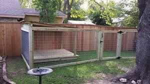 Creative Fencing Keeps Multiple Dogs In Check Diy Dog Run Backyard Dog Area Dog Run Fence