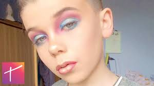 10 kids who do their makeup better than