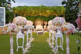towers garden wedding decoration by