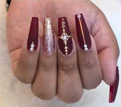 burgundy nails perfect for fall