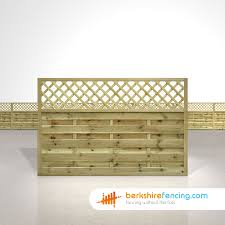 Horizontal Lattice Top Fence Panels 4ft X 6ft Natural Berkshire Fencing