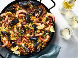 Traditional Spanish Paella Recipe ...