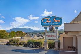 stay in our hotel rooms in pigeon forge tn