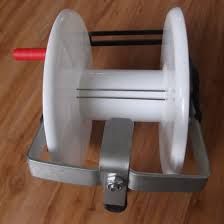 China Wind Up Geared Electric Fence Reel For Poly Wire Tape Strip Grazing China T Post Puller Fence Post Lifter Fencing Tool