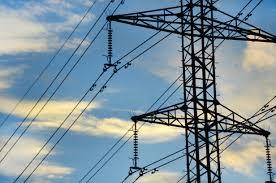 Poze : cer, linia, coloană, catarg, industrial, electricitate, actual, nori, fire, cabluri, conducere, turn de transmisie, cablaj electric, electrica, structura în aer liber, alimentare cu energie electrică, liniile aeriene, echipamente de putere