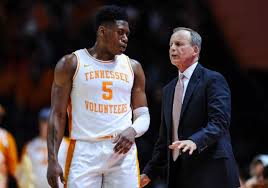 Admiral Schofield throws shade at Tennessee coach Rick Barnes