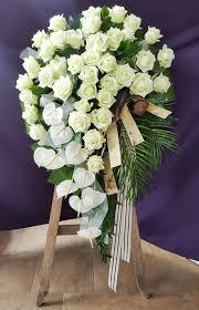 Wieńce pogrzebowe - Florystyka żałobna - CudaWianki - kwiaciarnia ...