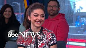 Sarah Hyland discusses her health and 'Modern Family' | GMA - YouTube