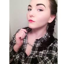 clic pin up makeup look being liv