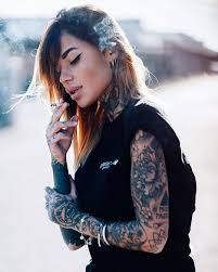 Tattooed girl Zoe Cristofoli | Stuff. Things.