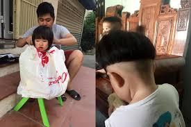 Được bố trổ tài cắt tóc cho ngày đầu năm nhưng cô con gái 3 tuổi ...