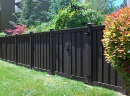 Wood Fence Alternatives Vinyl And Trex Fencing 1001 Gardens