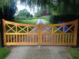 Swan Gates On Twitter Cross Brace Style Timber Gate With Full Bft Automation Https T Co Mf0dlir9ur