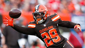 Trade-seeking Duke Johnson parts with agent