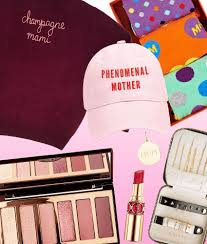 day gift guide 2020 beauty fashion