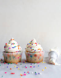 birthday cake cupcakes with sprinkles