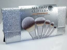 it cosmetics all that glitters brush