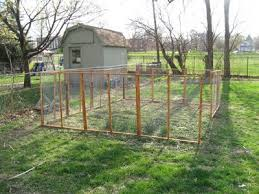 Pin By Shelly Balthazor On For My Garden Chicken Wire Fence Fence Planning Fence Prices