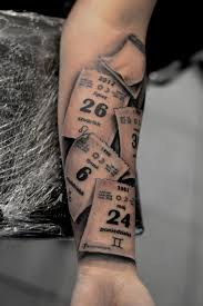 Tear Off Calendar Tattoo By Karlinoboy On Deviantart Tatuajes De