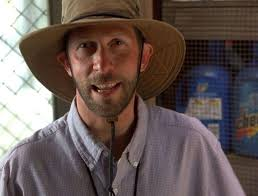 Just remembered what the actor who plays Looking Glass (Tim Blake Nelson)is  from. : Watchmen