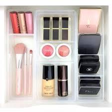 makeup organized