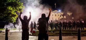 Мир смеется над вами»: беспорядки в США грозят политическим кризисом — The  Bell