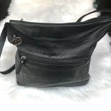 black leather shoulder bag w zipper