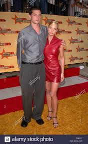 LOS ANGELES, CA. June 02, 2001: Actress JAMIE PRESSLY & boyfriend actor SIMON  REX at the MTV Movie Awards in Los Angeles Stock Photo - Alamy