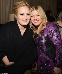 Kelly Clarkson Shows Support For Adele Among Weightloss Concerns