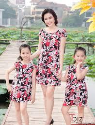 15 mẫu váy mẹ con đẹp cho mẹ và bé gái đón Tết | 15 mau váy me con dep cho me  và bé gái dón Tet
