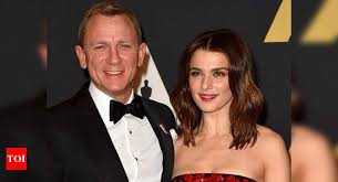 Daniel Craig and Rachel Weisz come out in support for the healthcare  workers as they participate in #ClapForCarers | English Movie News - Times  of India