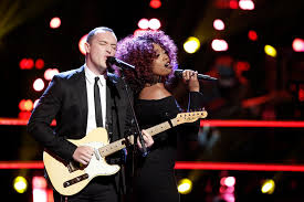 Aaron Gibson And Sa'rayah Battle It Out On 'The Voice' & It Was Seriously  The Performance Of The Night