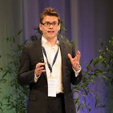 Felix Krause pitches PV marketplace Milk The Sun - ECOSUMMIT - Accelerating  smart green startups