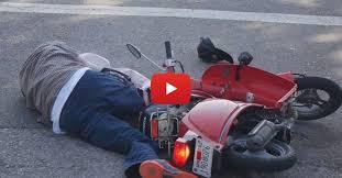 baited moped theft prank knocks a guy