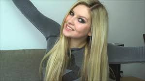avril lavigne here s to never growing