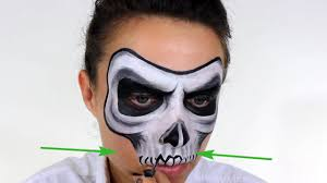 how to face paint a skull 14 steps