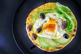 Gambar : alpukat, telur, roti panggang, sehat, sarapan, lezat, piring,  hijau, roket, Rocket, Zaitun, Laut Tengah, berlapis, cahaya mistik, makan,  salad, fotografi, gaya hidup, warna-warni, vegan, hidangan, Masakan, Makanan  vegetarian, pizza, makanan