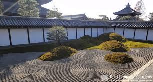 gravel pattern in the japanese garden